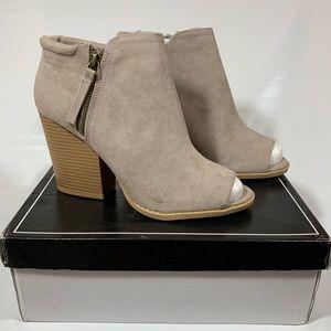 NEW Qupid Suede Peep Toe Chunk Heel Ankle Booties